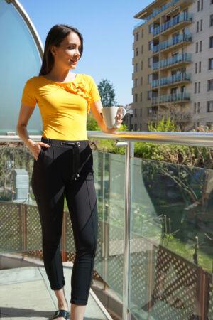Rövidujjú póló fodros rátéttel - Sárga